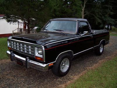 1985 Dodge D150 Custom