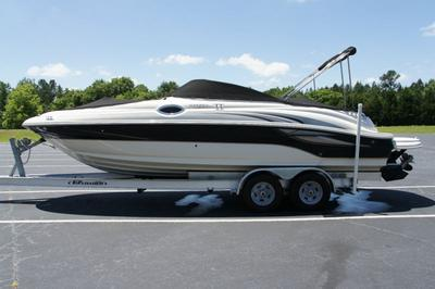 2004 Sea Ray 240 Sundeck Mercruiser