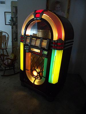 Classic 1947 1050 Wurlitzer 78 rpm Bubbler