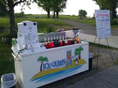 Ice Queen cart out at Magnusun Beach.