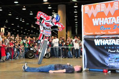'On The Edge' 2-Wheel Action Show
