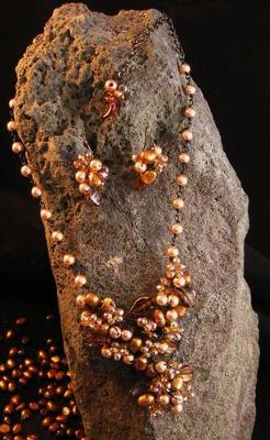 Pearl Wire Wrap Necklace.