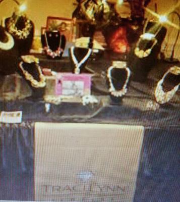 Traci Lynn Table