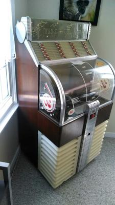 1951 AMI D80 Jukebox
