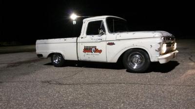 1966 Ford F100 Classic Truck