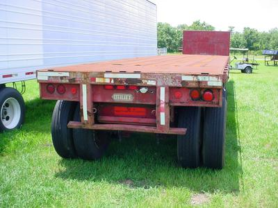 1984 flat bed trailer