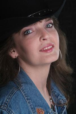 Lisa Barrett - Singer/Songwriter